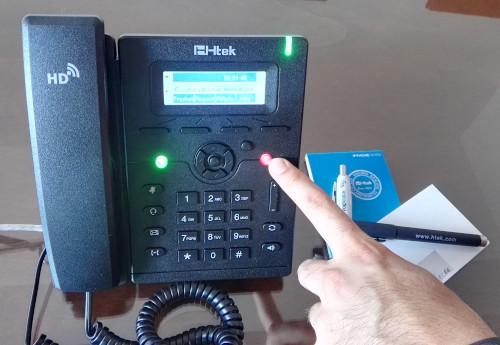 Trasferire O Mettere In Attesa Una Chiamata Dal Centralino Telefonico